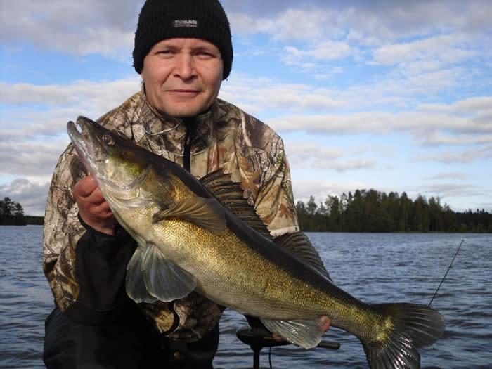 Der See Vrigstadsan in Schweden - Smaland: Anglerglück - Hecht