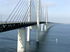 Öresundbrücke zwischen Kopenhagen (DK) und Malmö (S)