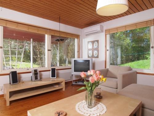 """Schweden - Smaland: Ferienhaus am Meer - Haus """"Oskarshamn"""" - TV im Wohnzimmer"""