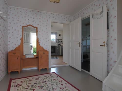 """Schweden - Smaland: Ferienhaus am See - Haus """"Katthult"""" - Flur im Erdgeschoss"""