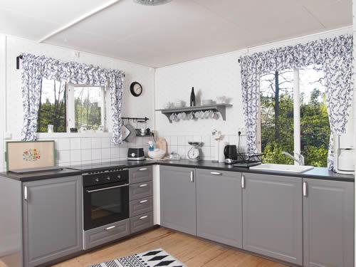 """Schweden - Smaland: Ferienhaus am See - Haus """"Katthult"""" - Moderne Küchengeräte"""