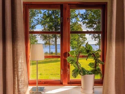 """Schweden - Smaland: Ferienhaus am See - Haus """"Tegelviken"""" - Febsterblick über den See"""