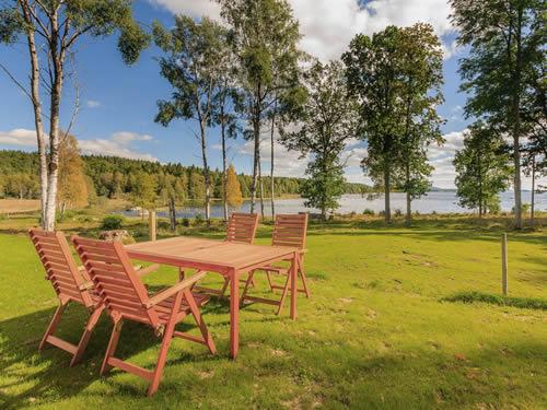"""Schweden - Smaland: Ferienhaus am See - Haus """"Tegelviken"""" - Garten am Seeufer"""