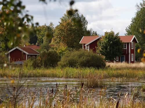 """Schweden - Smaland: Ferienhaus am See - Haus """"Torp Staveryd"""" - Grundstück"""