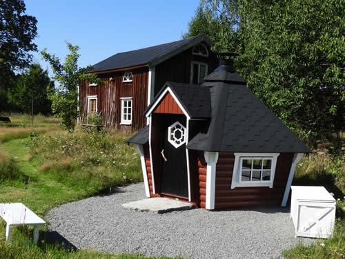 Schweden Ferienhaus am See: Nebengebäude mit Grill am Haus Torp Staveryd