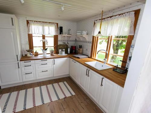 """Schweden - Smaland: Ferienhaus am See - Haus """"Torp Staveryd"""" - Küche"""