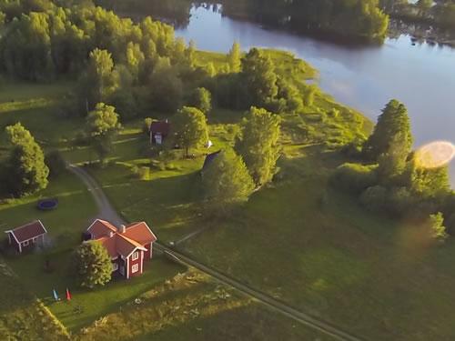 """Schweden - Smaland: Ferienhaus am See - Haus """"Torp Staveryd"""" - Luftaufnahme"""
