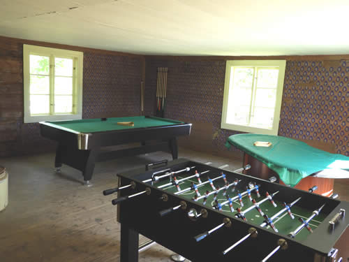 Spielhalle mit Billard und Tischkicker am Schweden Ferienhaus Torp Staveryd
