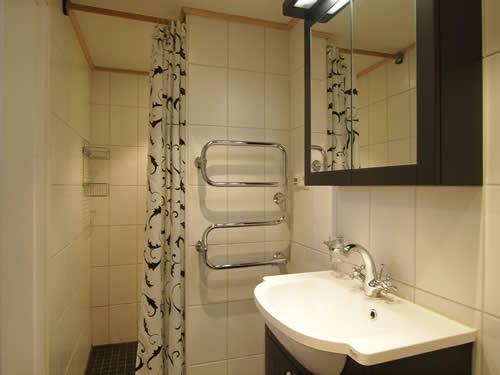 """Schweden - Smaland: Ferienhaus am See - Haus """"Troll"""" - Bad und WC"""