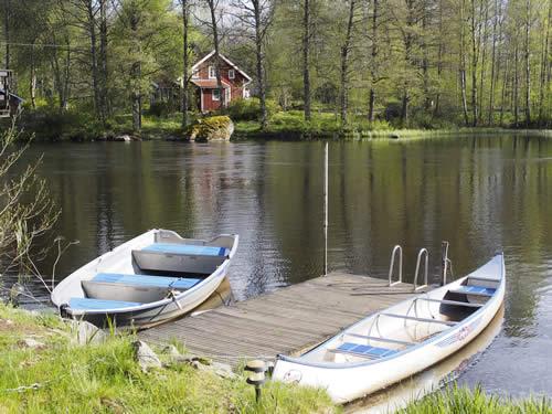 """Schweden - Smaland: Ferienhaus am See - Haus """"Troll"""" - Bootssteg"""