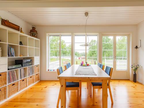 """Schweden - Smaland: Ferienhaus - Haus """"Hylte"""" - Esszimmer mit Seeblick"""