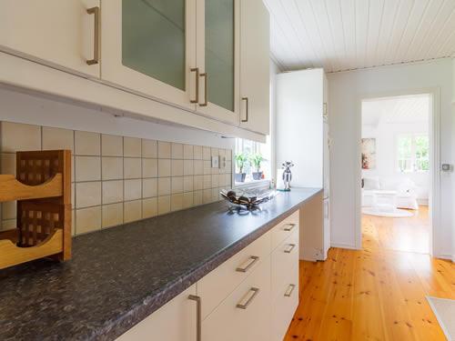 """Schweden - Smaland: Ferienhaus - Haus """"Hylte"""" - Küche mit Esszimmer"""
