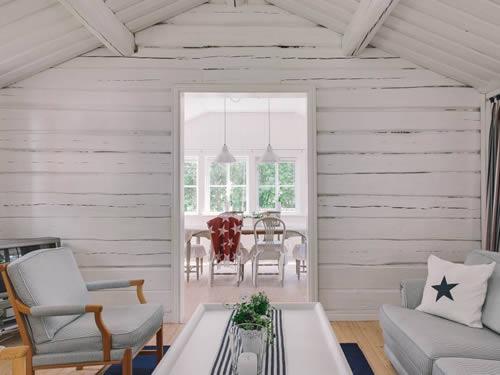 """Schweden - Smaland: Ferienhaus am See - Haus """"Karlsson"""" - Blick ins Esszimmer"""