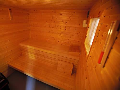 """Sauna (innen) im Schweden Ferienhaus """"Knäppen"""" am See in Smaland (Südschweden)"""