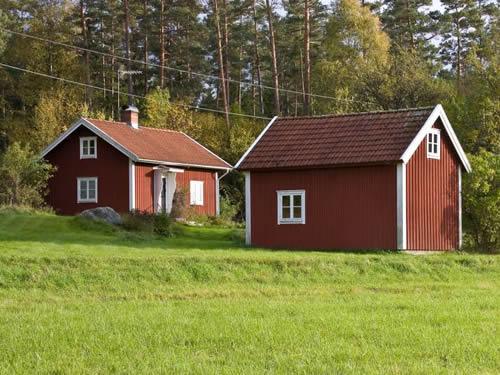 """Schweden - Smaland: Ferienhaus - Haus """"Lönneberga"""" - Holzhaus mit kleinem Gästehaus"""