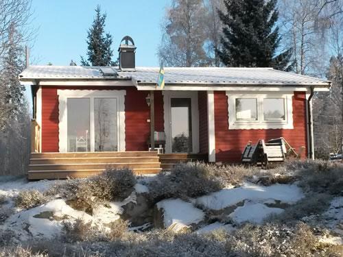 """Schweden - Smaland: Ferienhaus am See Langen - Haus """"Michel"""" - im Winter mit Schnee"""
