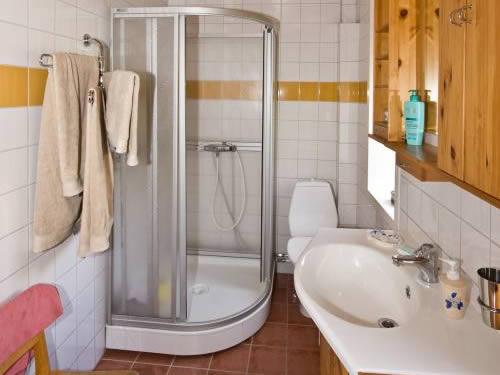 """Schweden - Smaland: Ferienhaus - Haus """"Schweden"""" - Bad und WC"""