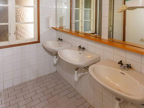 """Schweden - Smaland: Ferienhaus am See - Haus """"Skuggebo"""" - Bad und WC"""