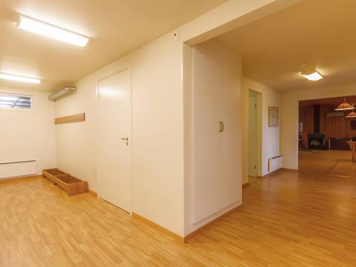 """Schweden - Smaland: Ferienhaus am See - Haus """"Skuggebo"""" - Flur"""