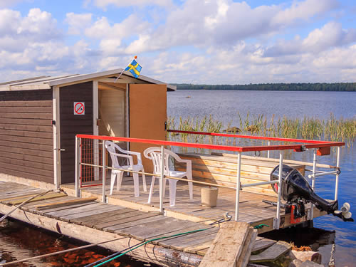 """Schweden - Smaland: Ferienhaus Am See - Haus """"Ulf"""" - Ein Schwimmendes Haus"""