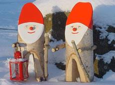 Kunsthandwerk: Loftas Holzwerkstatt am Ruskensee in Smaland (Schweden): Weihnachts Trolle