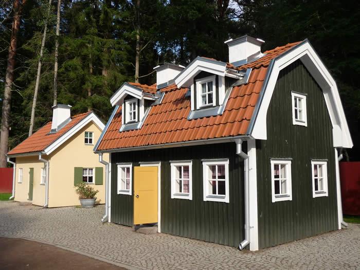 Erlebnispark Astrid Lindgrens Värld in Schweden - Smaland: Kleine Häuser für große Fans