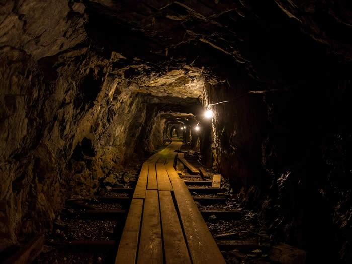 schweden-smaland-bergwerk-museum-kleva-gruva-01-700-525