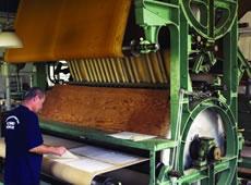 Smaland (Schweden) - handpapierfabrik in Lessebo - Papiertrockung