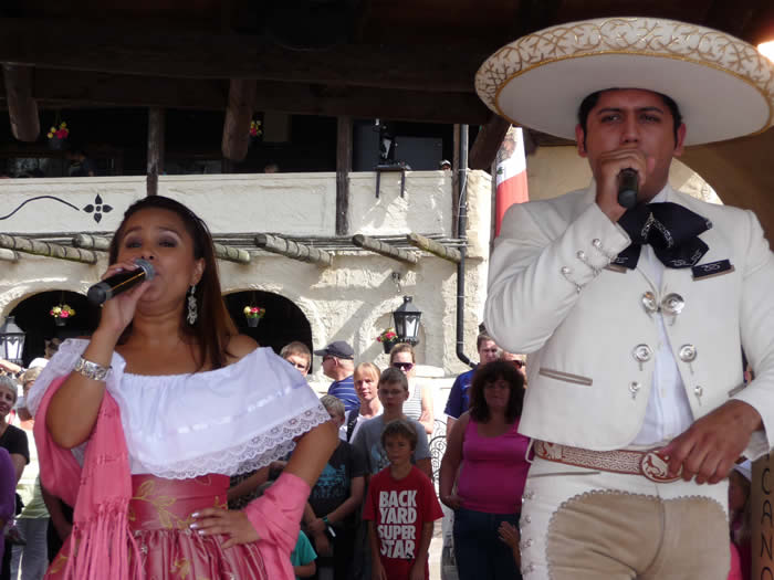 Westernstadt High Chaparral in Smaland - Schweden: Mexikanische Musik