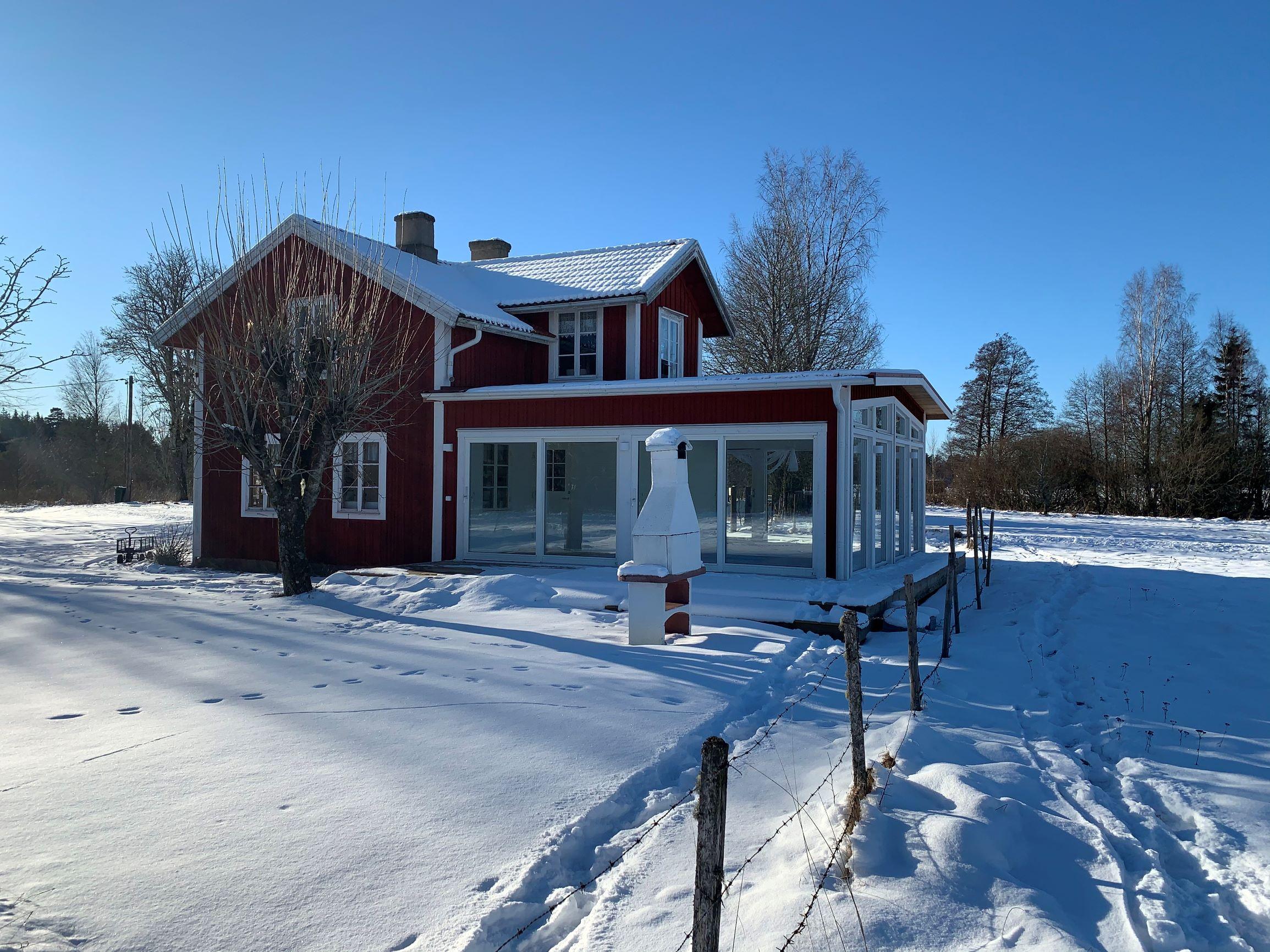 Das Wohnhaus Torp Staveryd In Schweden Am See Vrigstadsan Mit Dem Neuen 3-fach Eingeglasten Wintergarten